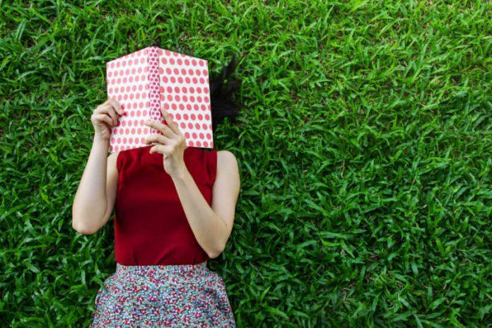 Can Reading Reduce Sugar Cravings?