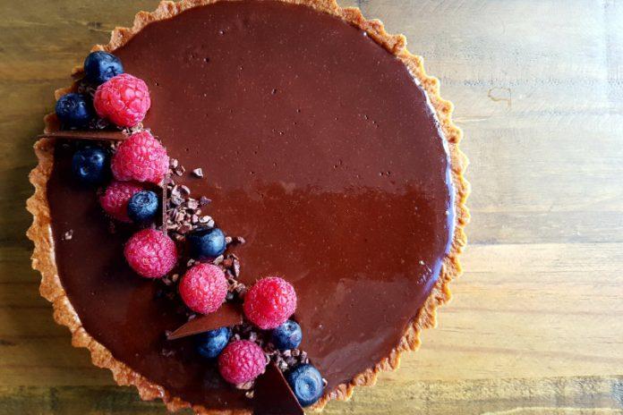 chocolate tart with fresh fruit on top
