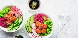 Poke Bowl with edamame and radishes
