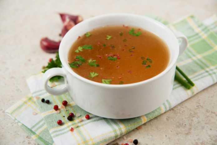 How Fitness Buffs Can Benefit From Adding Bone Broth To Their Diets