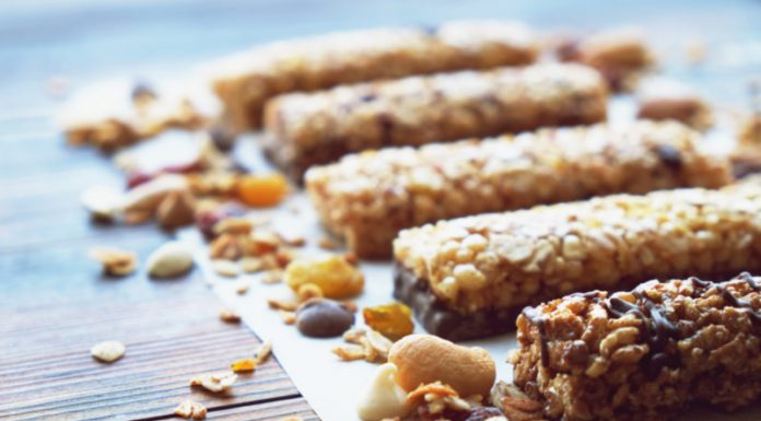 Best (And Worst) Protein Bars to Build Muscle