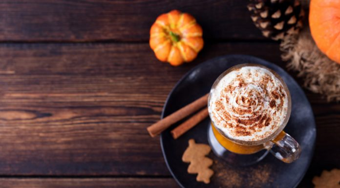 Give Your Home The Fragrance of Fall With This DIY Pumpkin Spice Air Freshener Spray