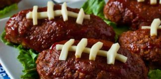 mini football meatloaves