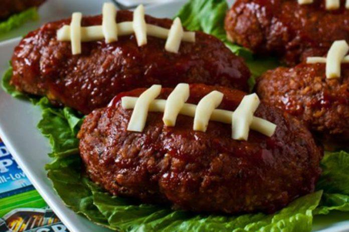 mini football meatloaves