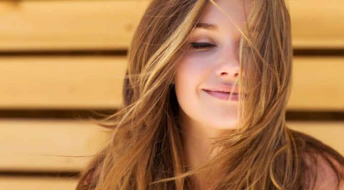 Natural Elements You Need To Add To Your Beauty Regime For Glowing Skin