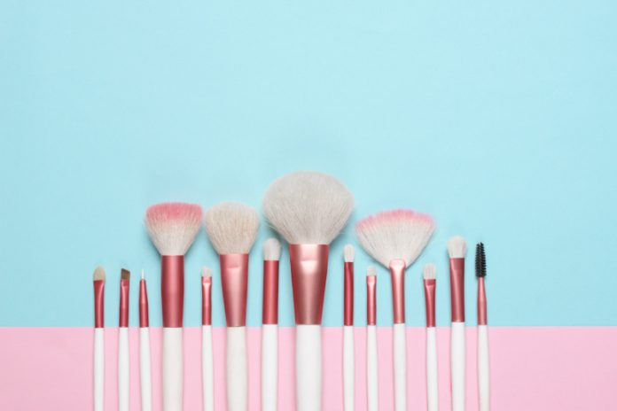 Remove the Makeup From Your Brush With This Natural Makeup Brush Cleanser