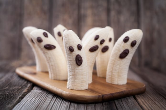 healthy frozen yogurt banana ghosts